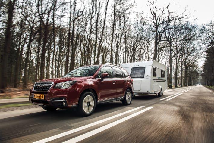 Subaru de trekauto voor caravan